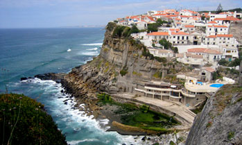 Views over over the ocean and Azenhas do Mar village